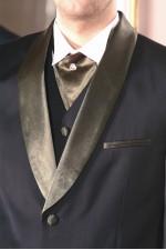 Henric öltöny