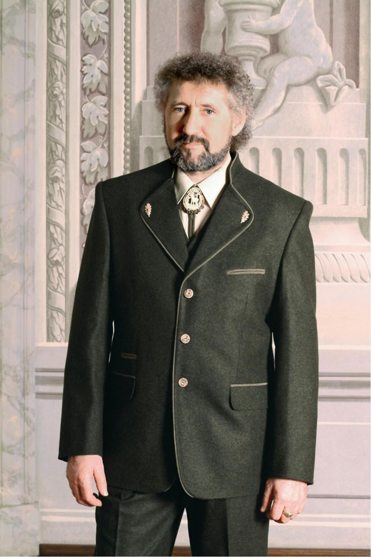 ad58d53bf1 Martin vadász öltöny